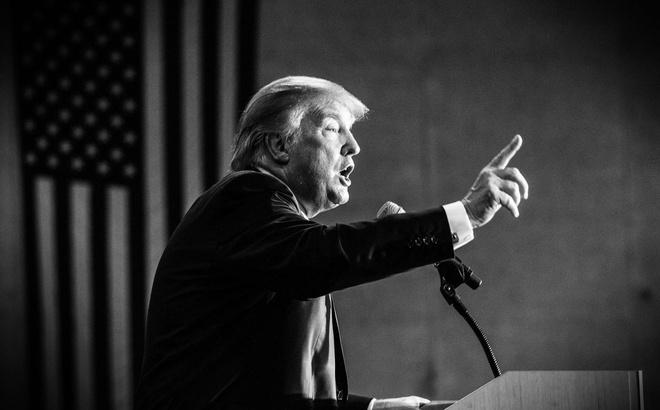 """Tấn công Syria, cử tàu đến Triều Tiên, Trump khoe """"cơ bắp"""" hay việc binh không nề dối trá?"""