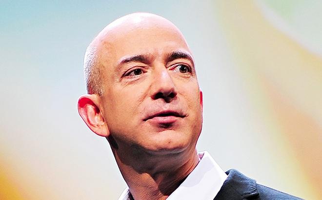 Vươn lên vị trí giàu số 1 thế giới, nay ông chủ Amazon lại lùi về số 3