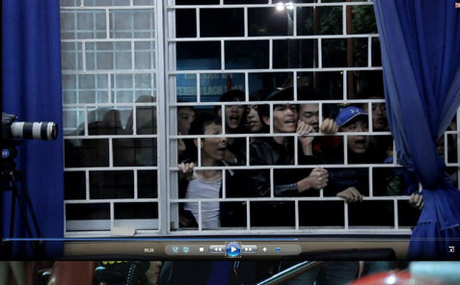 CĐV Hải Phòng 'quậy', HLV Trương Việt Hoàng phải bỏ dở họp báo