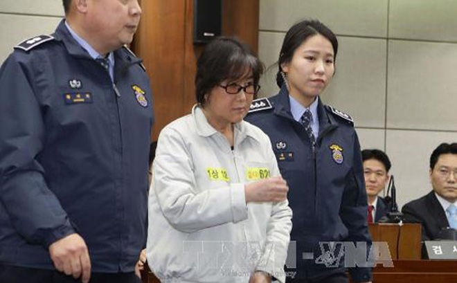 Bà Choi Soon-sil thừa nhận chỉnh sửa nhiều phát biểu của Tổng thống