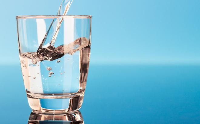 Nước rất tốt cho sức khỏe nhưng sẽ thành 'độc dược' nếu bạn uống vào 5 thời điểm sau