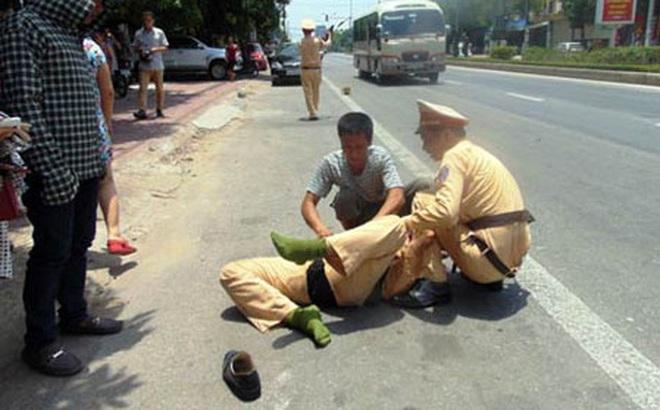 Thực hư thông tin CSGT Bình Định bị xe khách đâm trọng thương