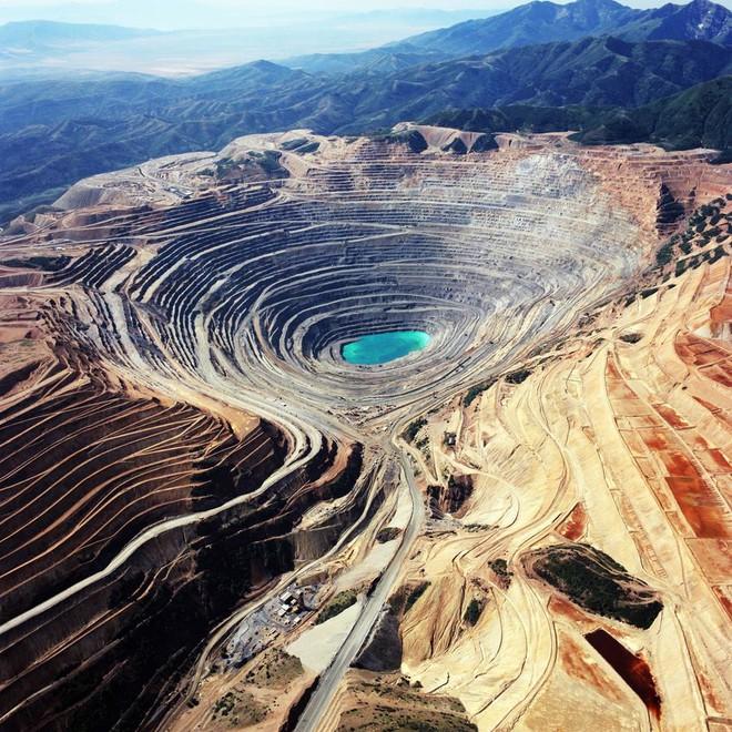 Gần 3 tấn kim cương đã được đào lên từ một trong những hố sâu nhất hành tinh! - Ảnh 3.