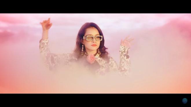 Đầu tư 3 năm, chi hàng tỷ đồng cho MV âm nhạc đầu tiên: Chi Pu vẫn bị chê xối xả - Ảnh 6.