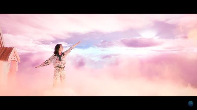 Đầu tư 3 năm, chi hàng tỷ đồng cho MV âm nhạc đầu tiên: Chi Pu vẫn bị chê xối xả - Ảnh 5.