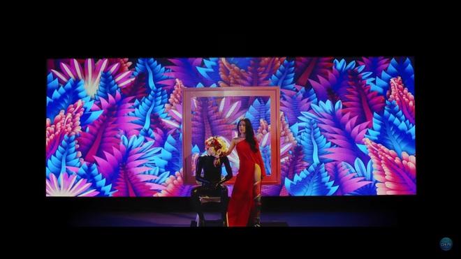 Đầu tư 3 năm, chi hàng tỷ đồng cho MV âm nhạc đầu tiên: Chi Pu vẫn bị chê xối xả - Ảnh 3.