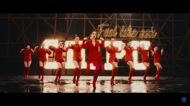 Đầu tư 3 năm, chi hàng tỷ đồng cho MV âm nhạc đầu tiên: Chi Pu vẫn bị chê xối xả - Ảnh 4.