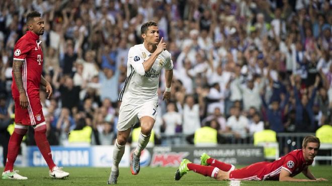 Thế mà người ta vẫn mắng Ronaldo là ích kỷ, khen Messi là đáng yêu! 2