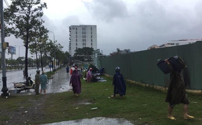 Họp khẩn trước giờ khai mạc APEC, Bí thư Đà Nẵng: Đang họp mà bị dột nước thì đẹp mặt!