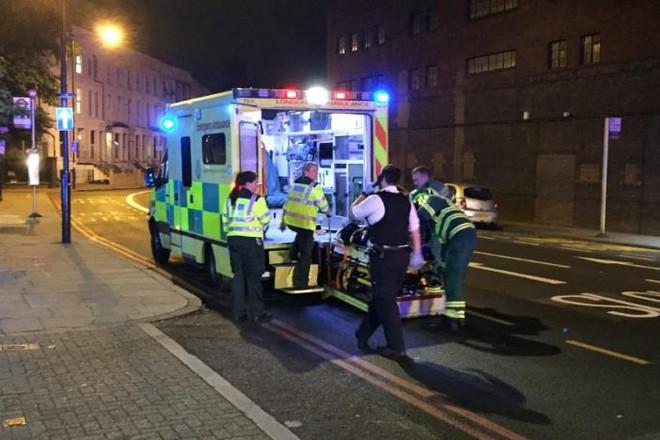 Lao xe tải vào đám đông người Hồi giáo ở London: Cảnh sát Anh xác nhận vụ tấn công mang dấu hiệu khủng bố - Ảnh 7.