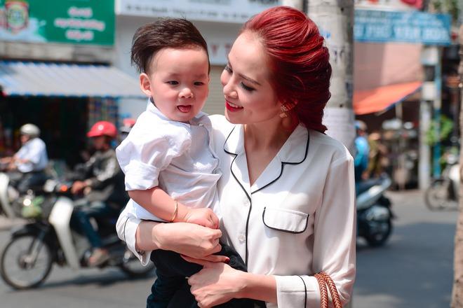Hoa hậu Diễm Hương: Tôi phải đối mặt với căn bệnh 10 ngàn người chỉ một - ảnh 2