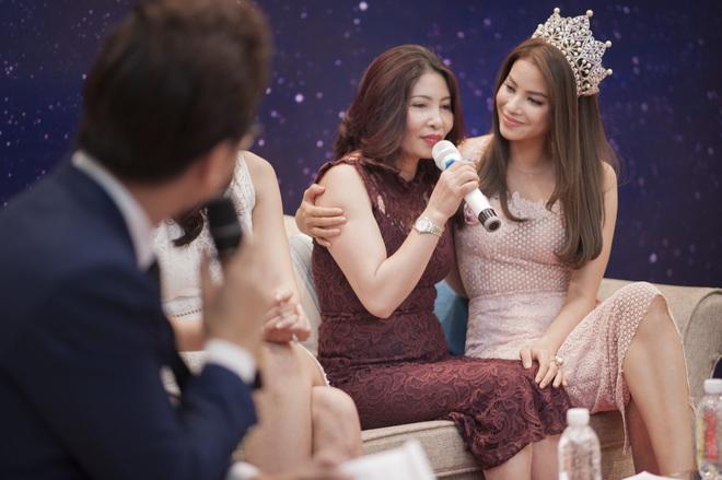[Video] Á hậu Lệ Hằng âm thầm tìm về nhà Phạm Hương ở Hải Phòng - Ảnh 3.