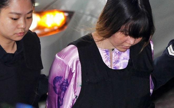Xét xử Đoàn Thị Hương: Bác sĩ khám nghiệm thi thể Kim Chol khai gì trước tòa?