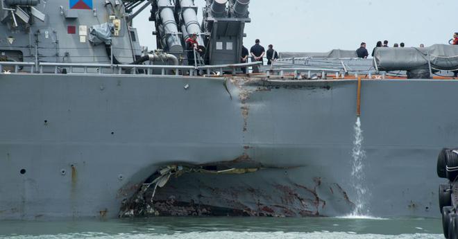 """2017: Năm vận hạn """"bủa vây"""" Hạm đội 7 Hải quân Mỹ - Ảnh 2."""