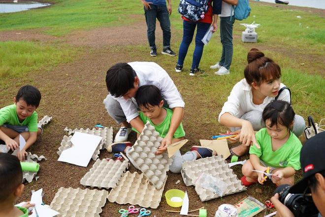 Con gái Lý Hải - Minh Hà hiếu động khi tham gia dã ngoại cùng bố mẹ - Ảnh 7.