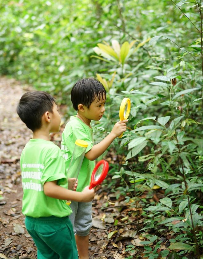 Con gái Lý Hải - Minh Hà hiếu động khi tham gia dã ngoại cùng bố mẹ - Ảnh 6.