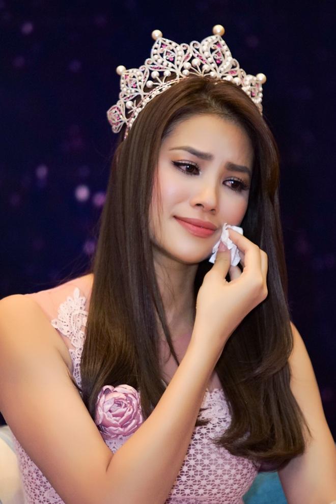 [Video] Á hậu Lệ Hằng âm thầm tìm về nhà Phạm Hương ở Hải Phòng - Ảnh 1.