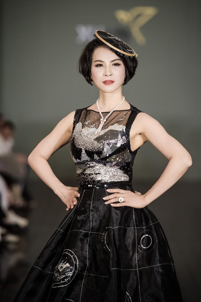 Á hậu Việt Nam xuất hiện trước công chúng sau thời gian dài ở ẩn và sinh con - Ảnh 13.