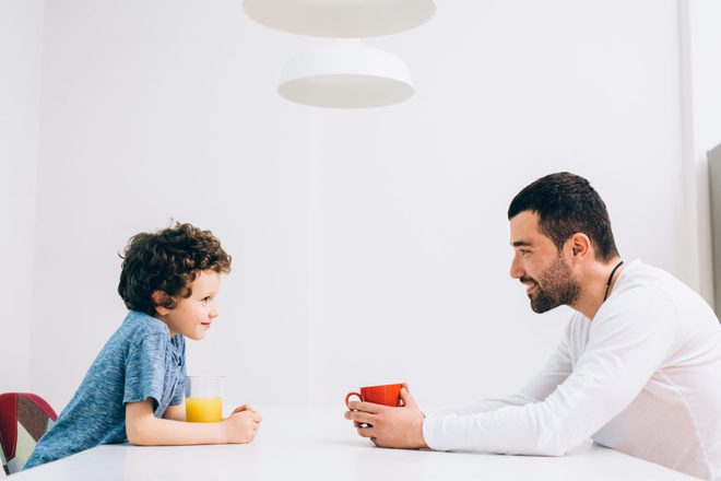 Bố lười dạy được con chăm: Phương pháp giáo dục hữu hiệu đến bất ngờ! - Ảnh 2.