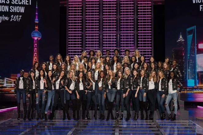 Victorias Secret Fashion show 2017: Show diễn hoành tráng nhất lịch sử  hãng nội y danh tiếng - Ảnh 5.