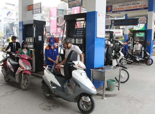 Ngày mai, giá xăng dầu tiếp tục giảm? - Ảnh 1