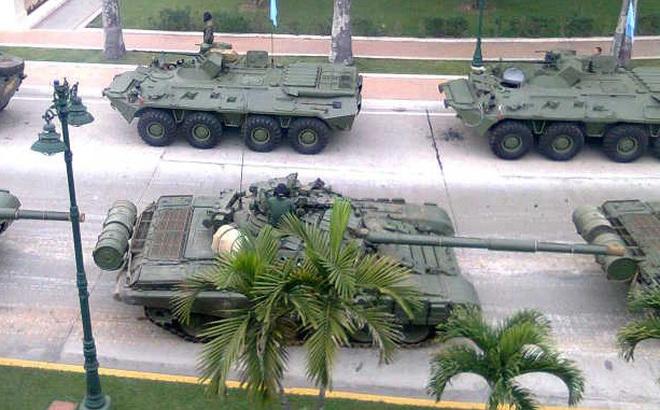 """Có một quốc gia như thế: Vượt khó, ưu tiên vũ khí Nga, thèm muốn """"đồ"""" Trung Quốc"""