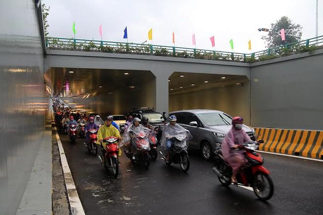 Đà Nẵng thông xe hầm chui 120 tỉ đồng ngay trước thềm APEC - Ảnh 1.
