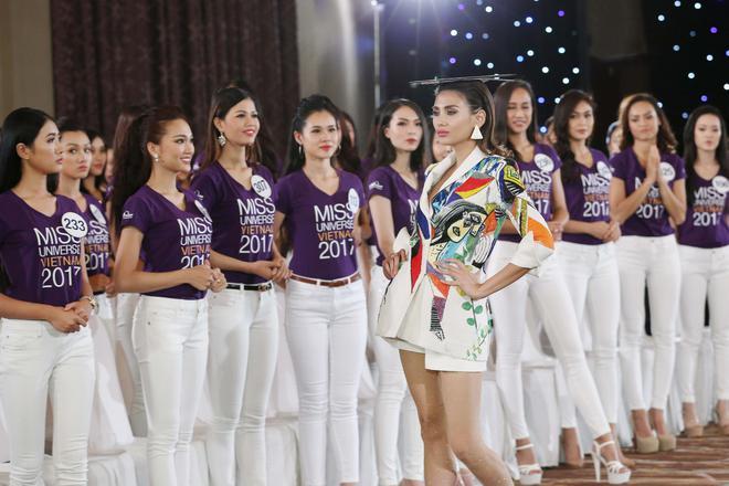 Hoa hậu Hoàn vũ Việt Nam tập 2: Thái độ vô kỷ luật của Mai Ngô gây ức chế - Ảnh 1.