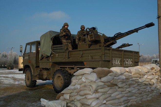 Việt Nam chế tạo tổ hợp pháo - tên lửa phòng không tự hành tầm thấp - Ảnh 2.
