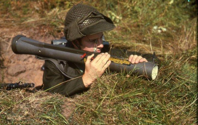 Súng chống tăng AT4 - Lời đáp trả đanh thép của phương Tây đối với huyền thoại RPG-7 - Ảnh 1.