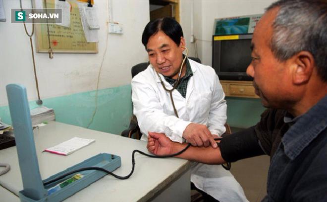 """[Phóng sự dài kỳ] Đại dịch bạo lực y tế TQ: 314 người bệnh/ngày và vấn nạn """"phong bao đỏ"""""""
