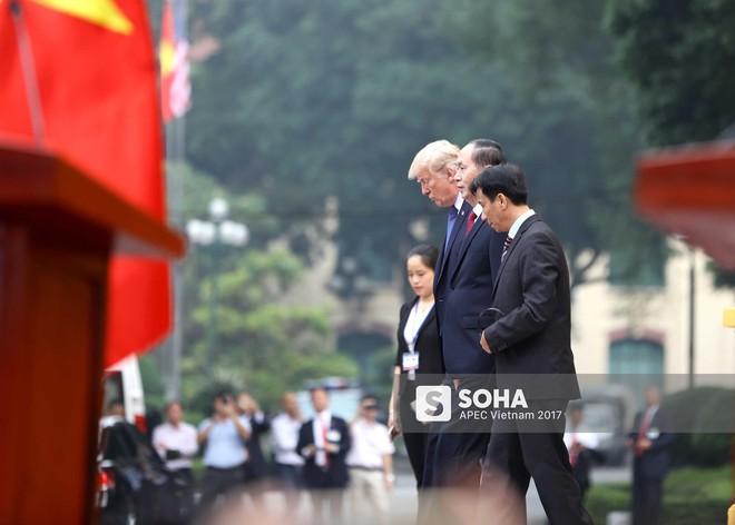 [ẢNH] Toàn cảnh lễ đón chính thức Tổng thống Mỹ Donald Trump tại Hà Nội - Ảnh 2.