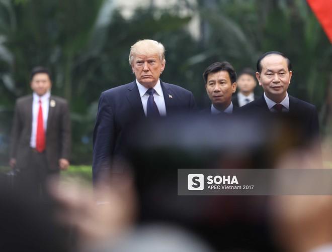 [ẢNH] Toàn cảnh lễ đón chính thức Tổng thống Mỹ Donald Trump tại Hà Nội - Ảnh 8.