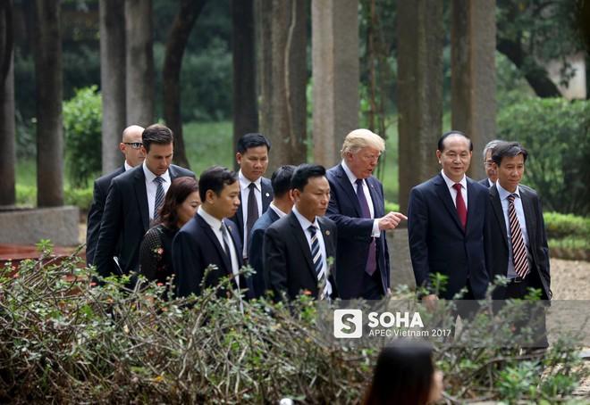 [ẢNH] Toàn cảnh lễ đón chính thức Tổng thống Mỹ Donald Trump tại Hà Nội - Ảnh 18.