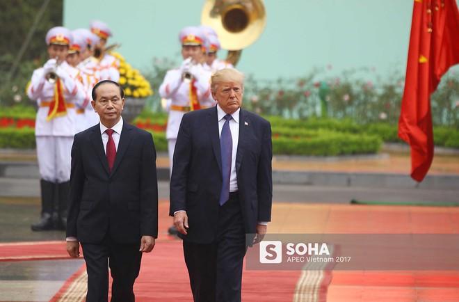 [ẢNH] Toàn cảnh lễ đón chính thức Tổng thống Mỹ Donald Trump tại Hà Nội - Ảnh 3.