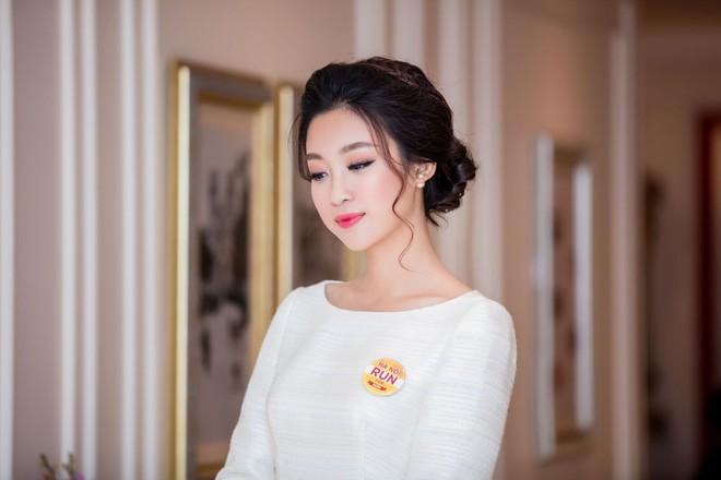 Nếu không đăng quang, công việc của các Hoa hậu Việt Nam là đây! - Ảnh 8.