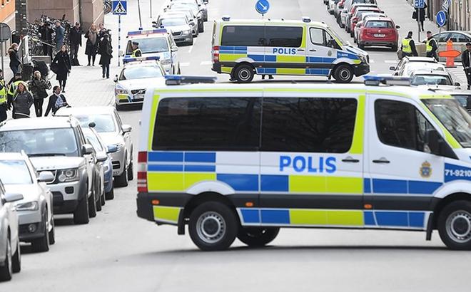 Xả súng xối xả giữa khu chợ ở Thụy Điển, người dân bỏ chạy tán loạn
