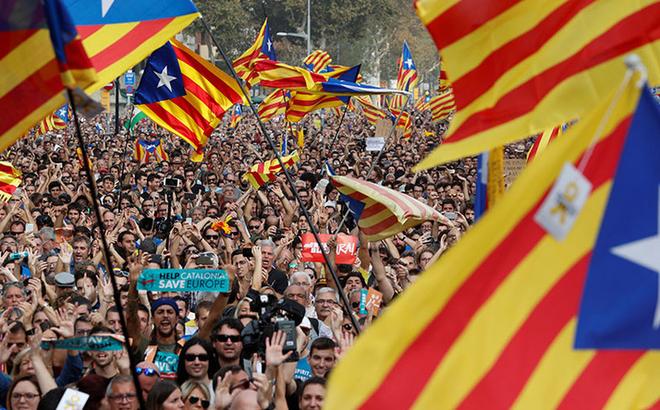 Nghị viện Catalonia tuyên bố ly khai khỏi Tây Ban Nha