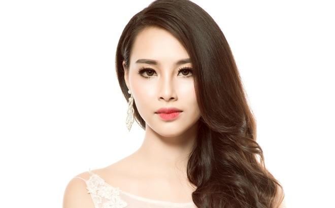 Hoa hậu Biển Thùy Trang: Để mẹ giúp xách đồ có gì sai?