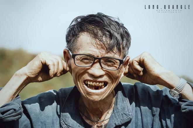 Ảnh ông cụ dân tộc khiến giới trẻ Việt rần rần chia sẻ - ảnh 5