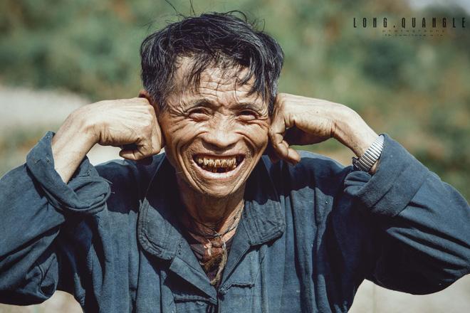 Ảnh ông cụ dân tộc khiến giới trẻ Việt rần rần chia sẻ - ảnh 7
