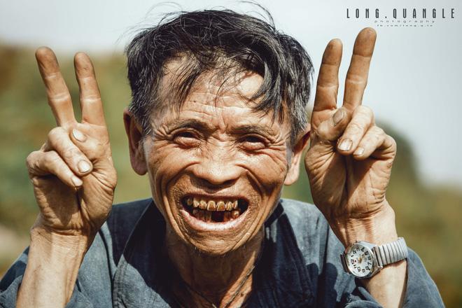 Ảnh ông cụ dân tộc khiến giới trẻ Việt rần rần chia sẻ - ảnh 2
