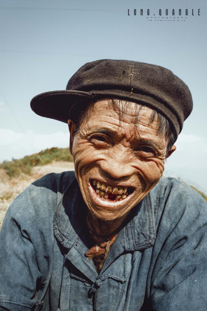Ảnh ông cụ dân tộc khiến giới trẻ Việt rần rần chia sẻ - ảnh 8