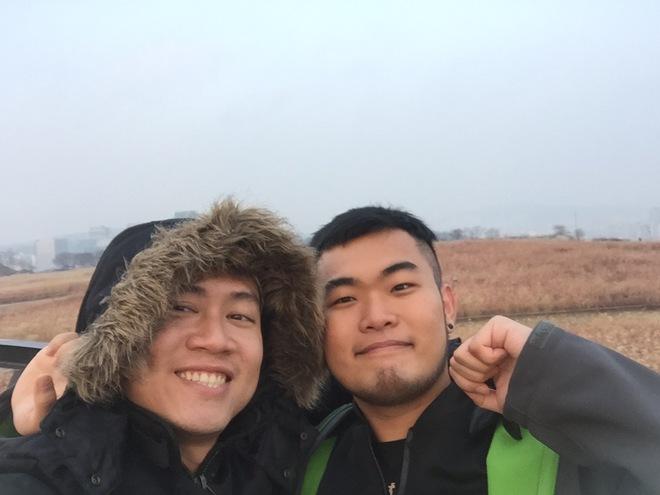 Chuyện tình vượt biên giới của 2 chàng trai: 10 tháng yêu nhau và 27 thành phố - Ảnh 4.