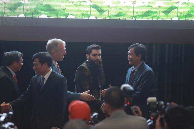 Đạo diễn phim Kong nói thêm lần nữa về tin bán nhà, sang Việt Nam sống - Ảnh 8.