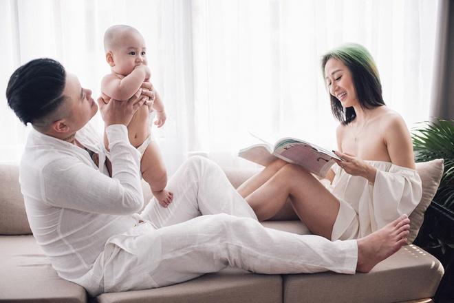 Vợ chồng DJ Tiên Moon - Duy Khánh lần đầu khoe con trai kháu khỉnh - Ảnh 2.
