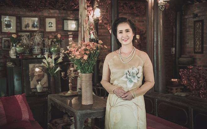NSND Lan Hương làm người mẫu sau khi nghỉ hưu