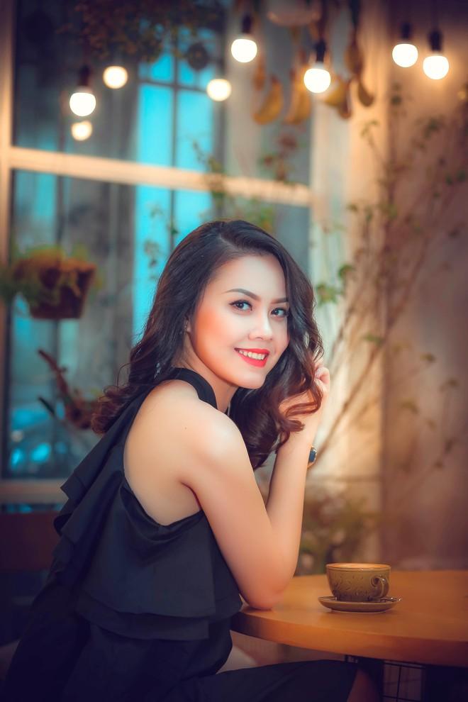 Hoa hậu Đậu Hồng Phúc: Nghĩ thi hoa hậu để nổi tiếng, kiếm tiền dễ thì các em sai rồi! - Ảnh 2.