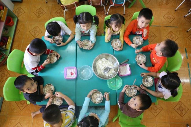 Những câu chuyện ít biết về nghề làm cô giáo mầm non - Ảnh 4.