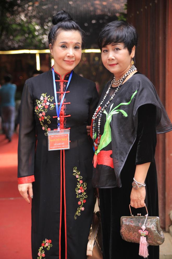 MC Thảo Vân bất ngờ thể hiện giọng hát trong Lễ giỗ Tổ nghề - Ảnh 5.